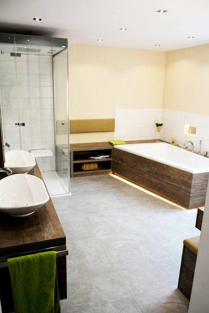 großes Badezimmer barrierefrei - neu geplant und installiert - Installateur Spittal, Bäderprofi Zraunig & Reschreiter