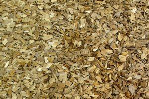 Hackschnitzelheizung - Holzstücke - Brennmaterial - Heizungsspezialist Zraunig & Reschreiter